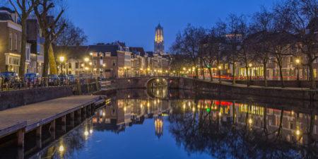 Oudegracht, Zandbrug en Domtoren Utrecht in de avond