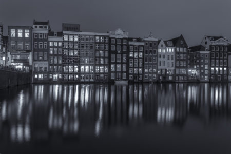 Amsterdam by Night - Damrak | Tux Photography