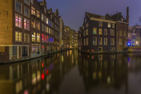 Amsterdam by Night - Oudezijds Voorburgwal | Tux Photography