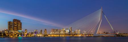 Erasmusbrug in Rotterdam in de avond | Tux Photography Shop